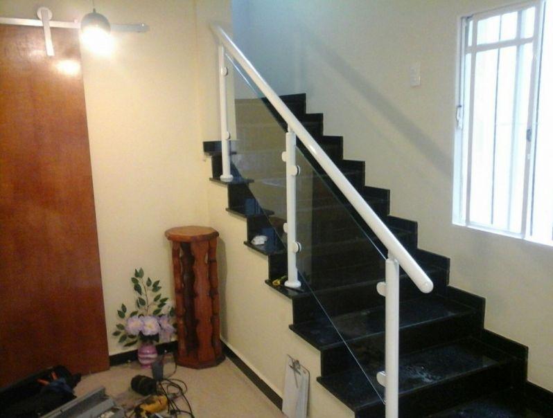 Corrimão de Escada Alumínio e Vidro Onde Encontrar em Anália Franco - Corrimão de Escada Alumínio e Vidro