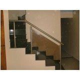 Corrimão de escada alumínio e vidro empresa que tenha em Anália Franco